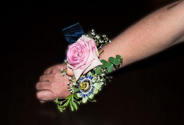 Armschmuck mit rosa Ecuador Rose