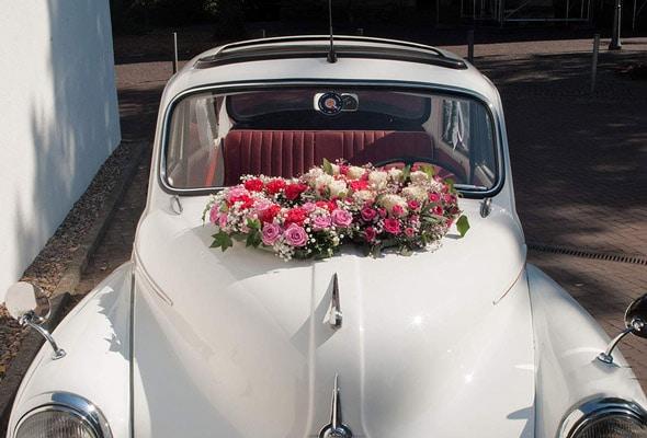 Hochzeit - Autoschmuck eines Aston Martin Minor 2